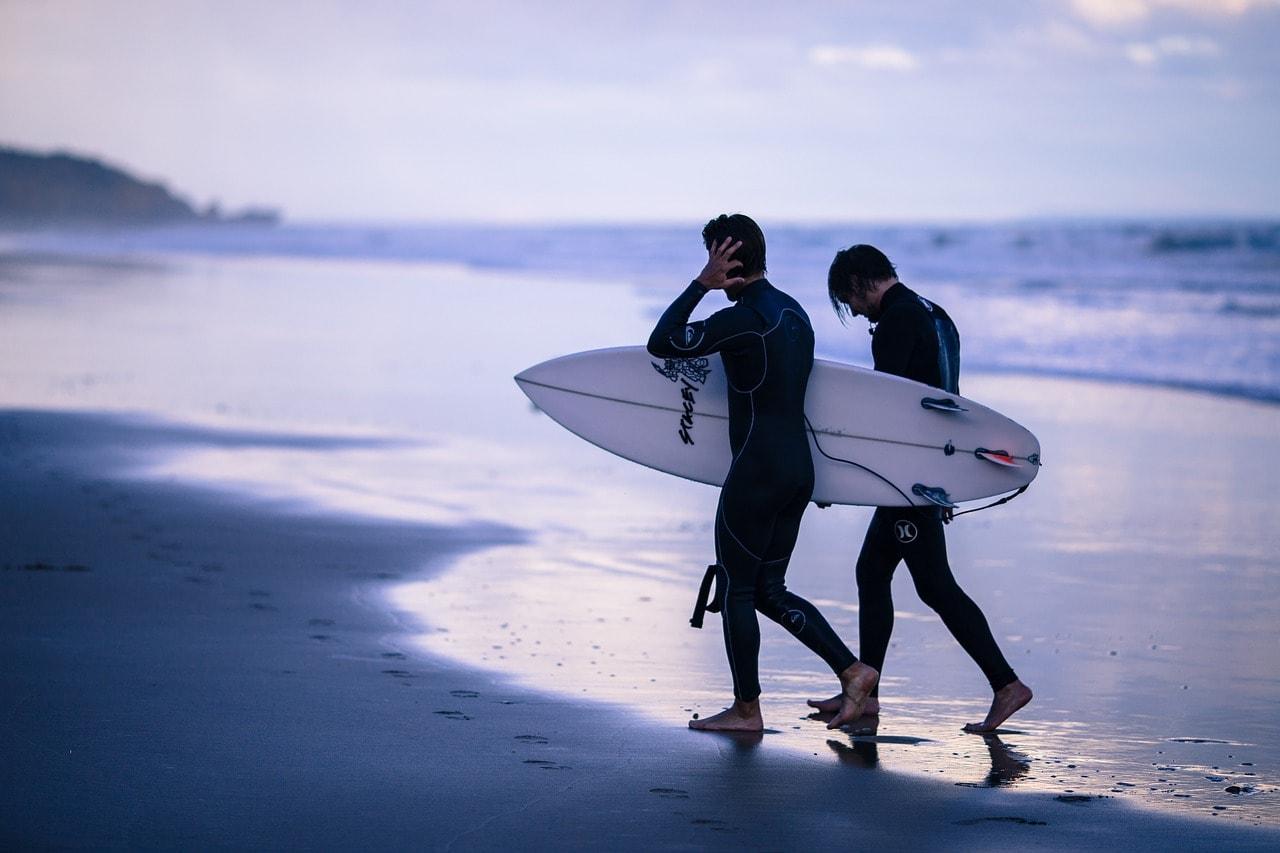 サーフィン初心者必見!ウエットスーツの種類を徹底解説