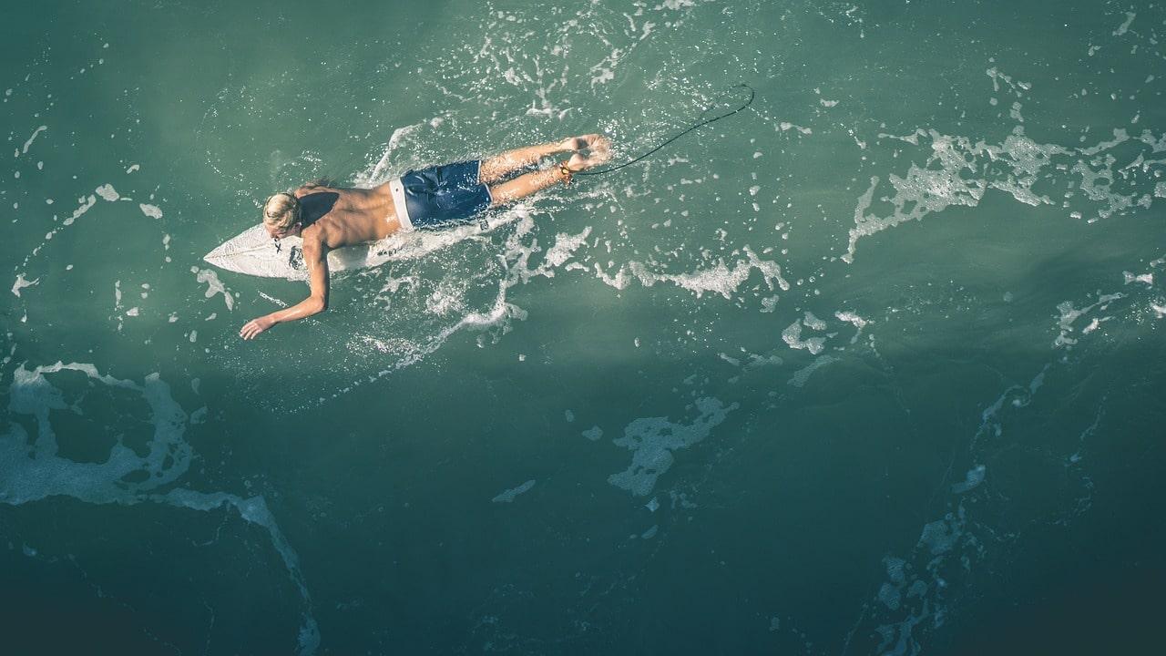 サーフィンで筋肉痛になりやすい場所とそのケア方法